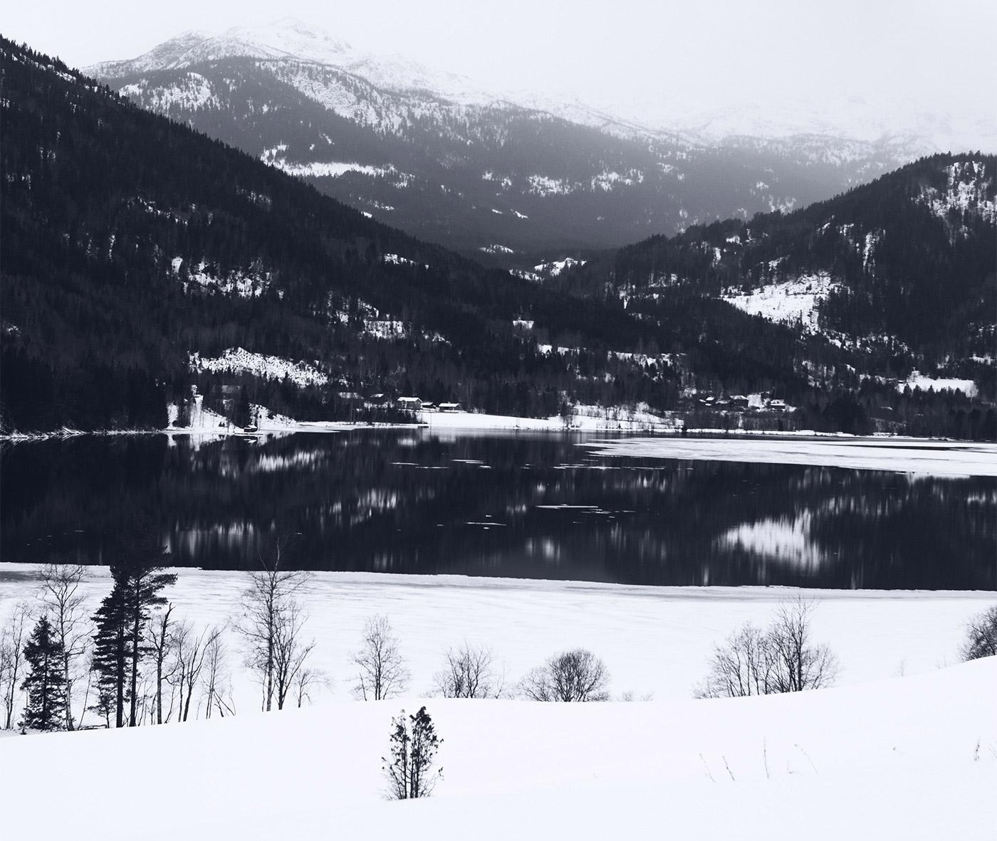 Fjord Brush Font